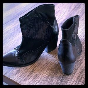 Buckle leather and suede western boot